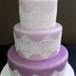 Трёхцветный торт с айсингом