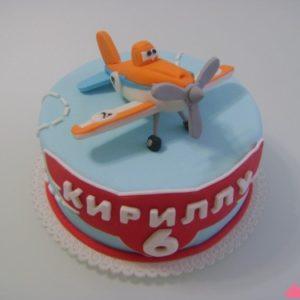 Красивый голубой торт с мастичным вертолетом