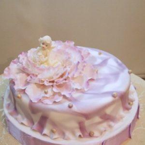 Нежный розовый торт с младенцем