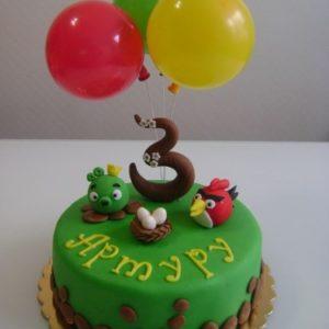 Торт «Angry Birds» с шариками