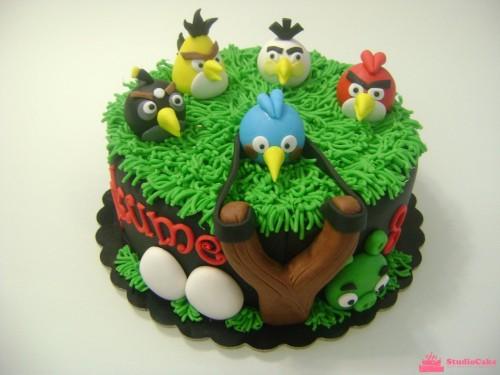 """Детский торт на заказ с персонажами мультфильма """"Angry Birds"""""""