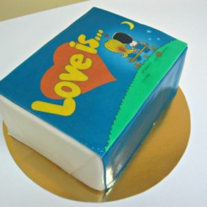 Торт у формі «Love is …»