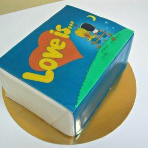 Торт в форме «Love is…»