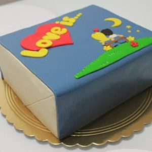 Торт на тему «Love is…»