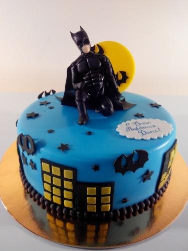 Детский торт на заказ с персонажем мультфильма Бэтмен