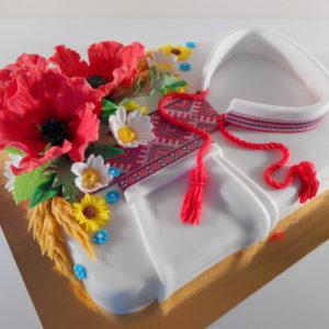 Торт-вишиванка з квітами
