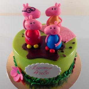 Зелёный торт с семьёй свинки Пеппы