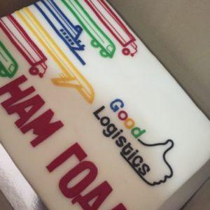 Прямокутний торт з логотипом