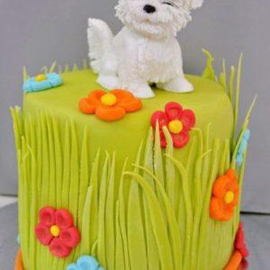 Торт в виде полянки с щенком