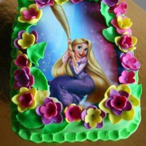 Торт з персонажем «Рапунцель»