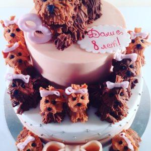 Торт с  фигурками собачек