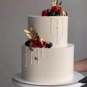 Двох'ярусний білий торт