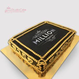 Торт із золотою окантовкою на корпоратив