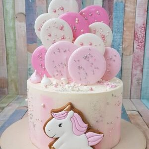 Рожевий торт для дівчинки