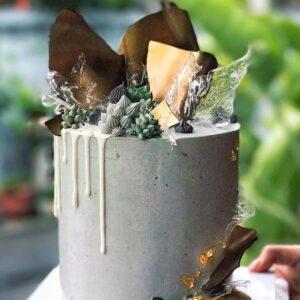 Свадебный торт в серых тонах