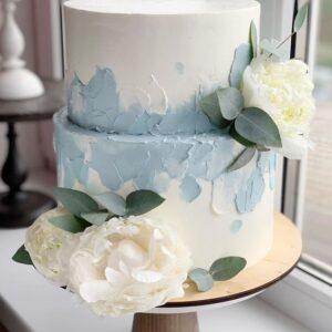 Двох'ярусний біло-синій торт