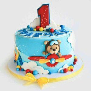 Торт с мишкой на самолёте