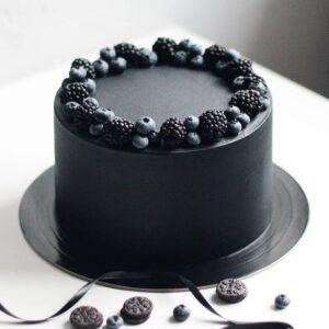 Торт чорного кольору