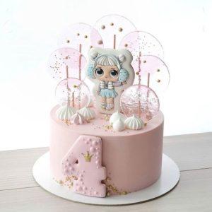 Торт с рисунком куклы Лол