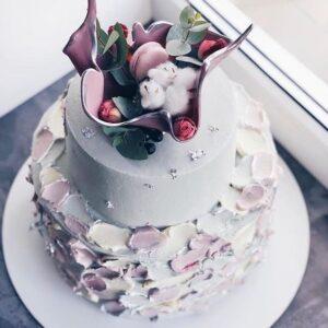 Торт тьмяно-блакитний
