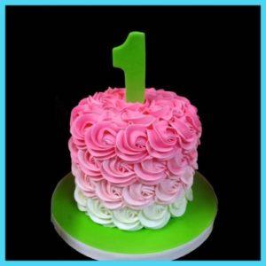 Великолепный тортик с кремовыми розами