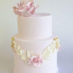 Торт з квітчастим намистом