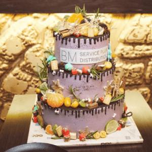 Триярусний корпоративний торт