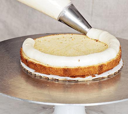 Як професійно побудувати торт
