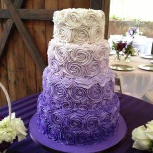 Фиолетово-белый кремовый торт