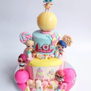 Торт куклы Лол