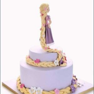 Торт у вигляді персонажа мультфільма «Рапунцель»