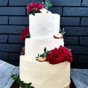 Кремовый торт на свадьбу