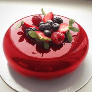 Полуничний мусовий торт