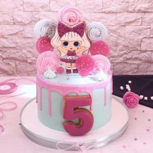 Торт із зображенням ляльки Лол на прянику