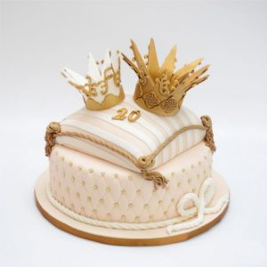 Торт з короною