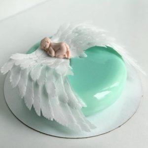 Торт з крилами